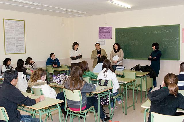 'Di-cual' promueve la integración al mundo laboral de los jóvenes, Foto 1