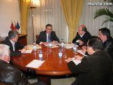 González Tovar recibe a empresarios de Totana para tratar asuntos relacionados con el AVE