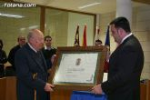 Mateo García, cronista oficial de la localidad, recibe el nombramiento de Hijo Adoptivo de Totana