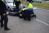 Un policía local resulta herido durante la huida de un individuo que conducía sin carné