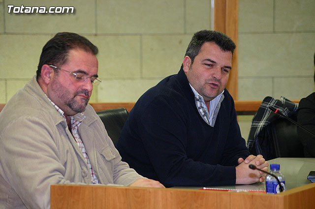 They pretend that the Councillor of Finance appear before the Committee to explain the results of their management