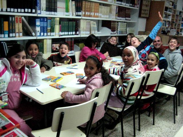La creación de cuentos igualitarios centra la atención de los pequeños, Foto 1
