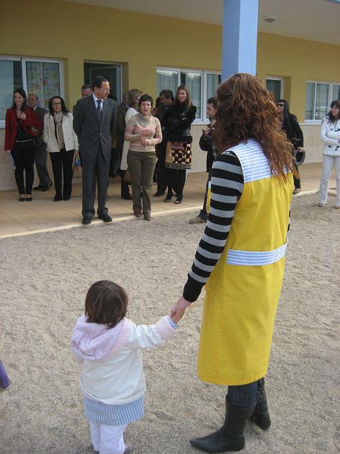 La Comunidad Autónoma financia con 500.000 euros el nuevo centro de atención a la infancia 'Los Granaos' de Beniaján - 2, Foto 2