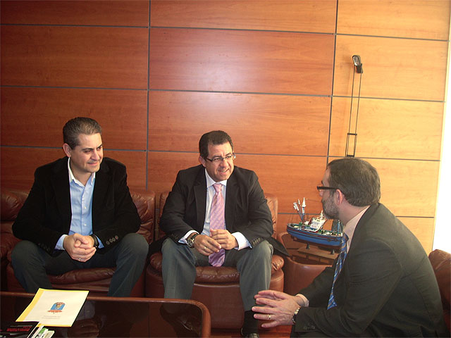 El alcalde se reúne con el jefe provincial de Tráfico, Foto 1