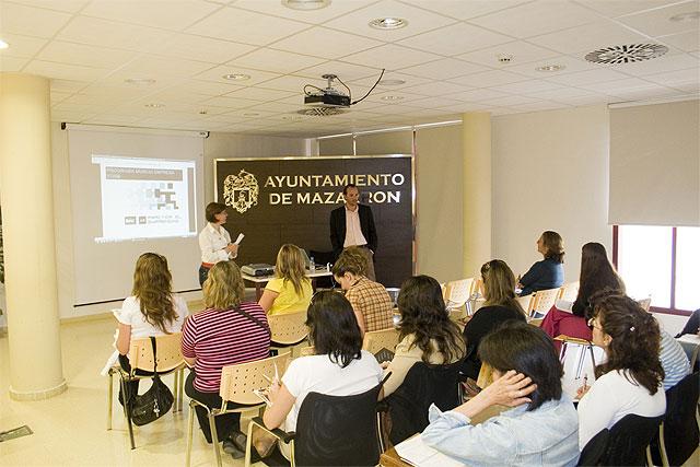 Las empresarias de Mazarrón, protagonistas del programa 'Coaching tecnológico', Foto 1