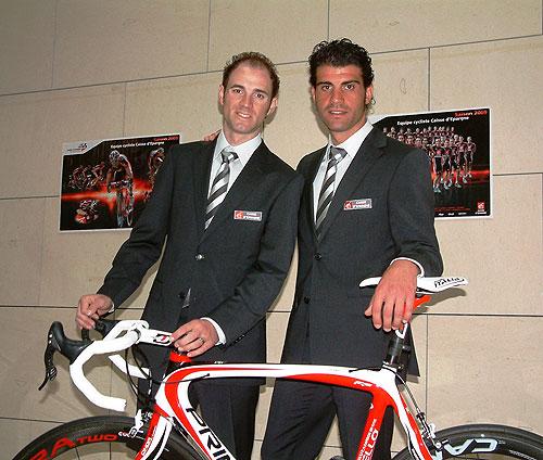 El equipo ciclista Caisse d'Epargne se presentó en París - 3, Foto 3