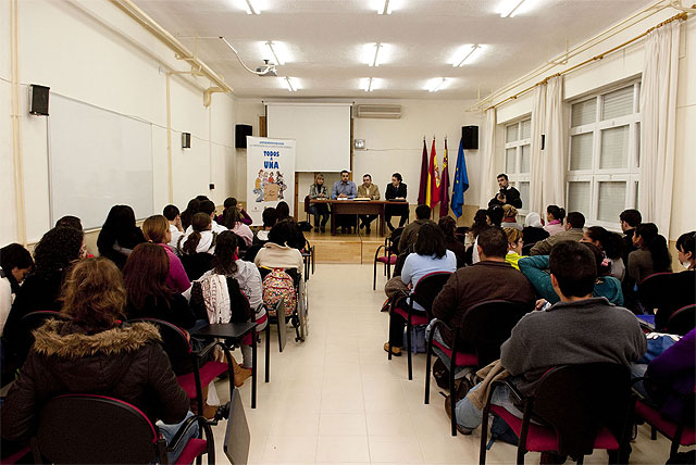El Consejo de la Juventud homenajea los 30 años de progreso económico y social de la democracia española - 2, Foto 2