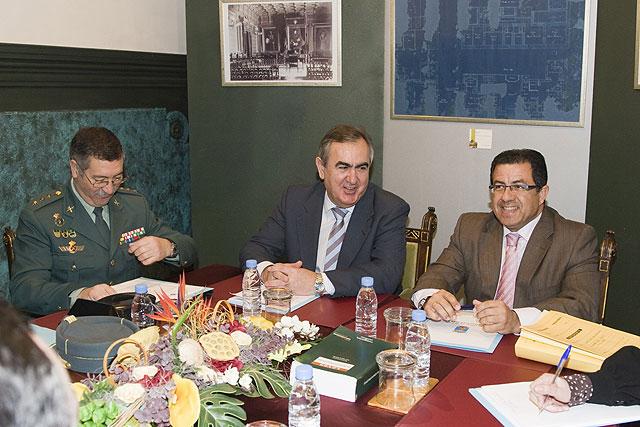 El delegado del Gobierno presenta proyectos por valor de 5,7 millones de euros autorizados por el Gobierno de España para Mazarrón, Foto 1