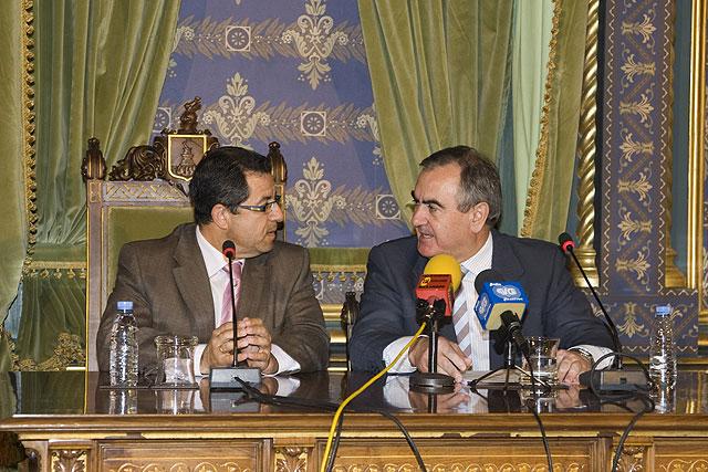 El delegado del Gobierno presenta proyectos por valor de 5,7 millones de euros autorizados por el Gobierno de España para Mazarrón, Foto 2