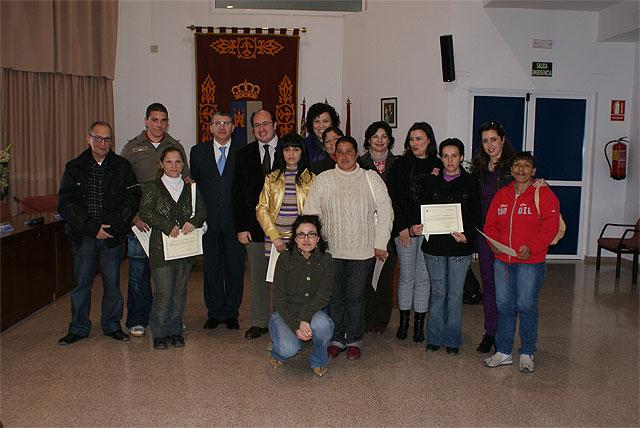 El Director General de Programas de Inclusión y el alcalde de Puerto Lumbreras clausuran la segunda edición del curso de Habilidades Sociales incluido en el proyecto 'Trampolín' - 1, Foto 1