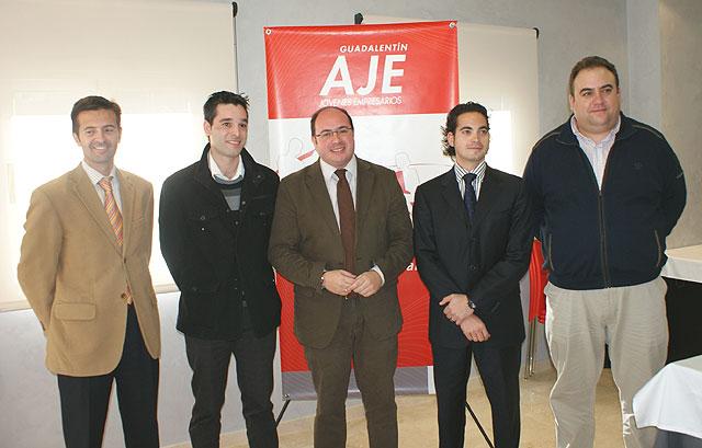 El Alcalde de Puerto Lumbreras se reúne con los Jóvenes Empresarios para analizar las iniciativas que favorecen el desarrollo empresarial - 1, Foto 1