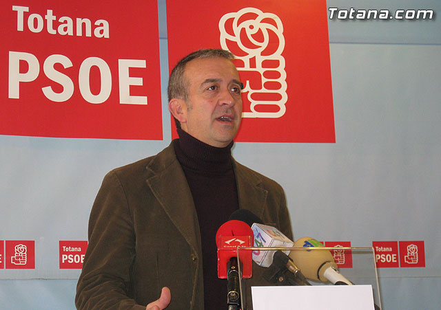 "According to the PSOE, ""the regional PP endorses the proposal of the Socialists of Totana to pay the debt to suppliers"""