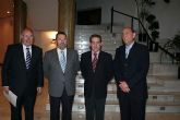 El Director General de Comercio se reune con los comerciantes que participaran en el I Outlet de Alcantarilla