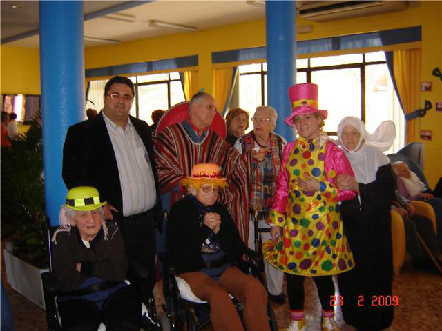 "Users and practitioners of the residence for the elderly ""La Purisima"" in the town held a festival of carnival"