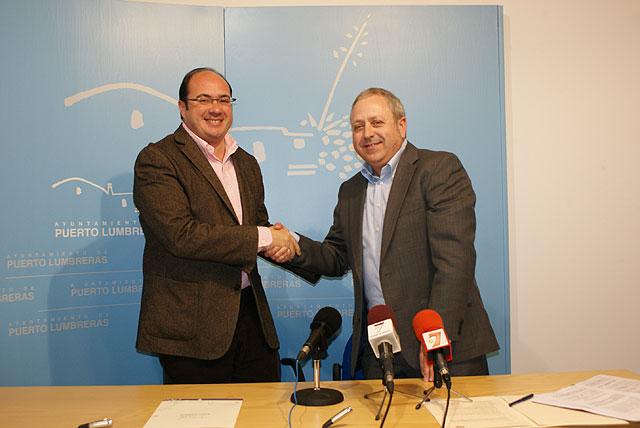 El Ayuntamiento y UGT firman un Convenio de colaboración para la puesta en marcha de un Centro Guía para inmigrantes - 1, Foto 1