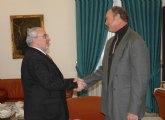El viceministro de deportes de Cuba, Alberto Juantorena, visita la UCAM