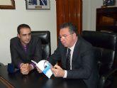 El Alcalde de Molina de Segura recibe al periodista Ángel Meseguer y la judoka Marta Somoza