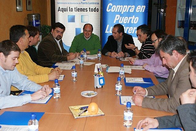 El alcalde de Puerto Lumbreras estudia los planes económicos del municipio con los empresarios de la localidad - 1, Foto 1