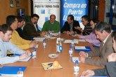 El alcalde de Puerto Lumbreras estudia los planes económicos del municipio con los empresarios de la localidad