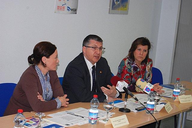 El director general de Programas de Inclusión clausura dos cursos de Radio ECCA Fundación para la inserción sociolaboral de mujeres maltratadas - 1, Foto 1