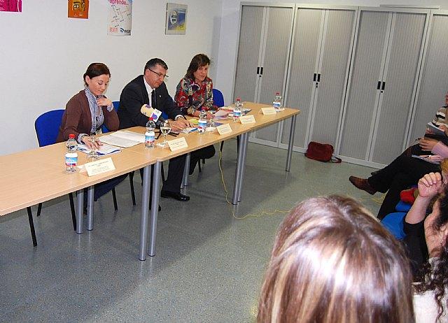 El director general de Programas de Inclusión clausura dos cursos de Radio ECCA Fundación para la inserción sociolaboral de mujeres maltratadas - 2, Foto 2