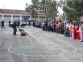 Demostración de la Guardia Civil a los escolares del colegio Fuensanta de Archena