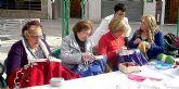 El Mercado Artesano del próximo domingo en Santiago de la Ribera incluye una amplia demostración del bordado regional