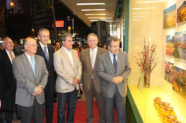 Cerdá inaugura la exposición Primavera: Floración en Cieza - 1, Foto 1