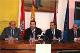 El director general de Comercio y el alcalde de Alcantarilla presentan la primera Gran Feria Outlet que se celebrará en el municipio los días 12, 13, 14 y 15 de marzo