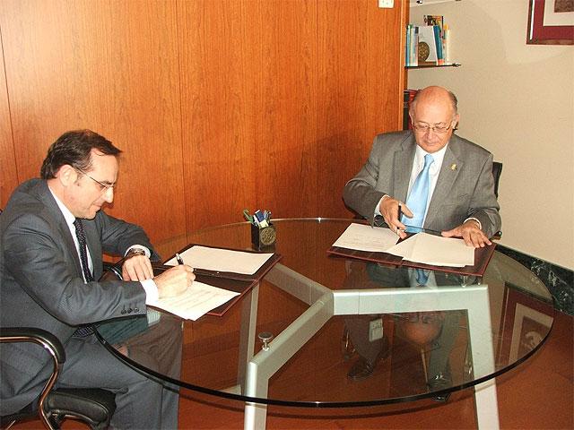 El rector de la Universidad Politécnica de Cartagena y el alcalde de Cieza firman un convenio de colaboración - 1, Foto 1