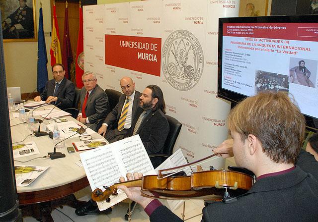 Virginia Martínez dirigirá la Orquesta Internacional del FIOJ de la Universidad de Murcia - 1, Foto 1