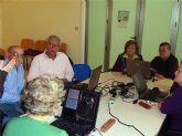 La concejalía de Atención Social ha clausurado otros dos cursos de informática para mayores de 60 años, en los que han participado 25 personas