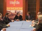 """El Alcalde ofrece el """"apoyo y estímulo"""" del Ayuntamiento hacia la empresa familiar"""