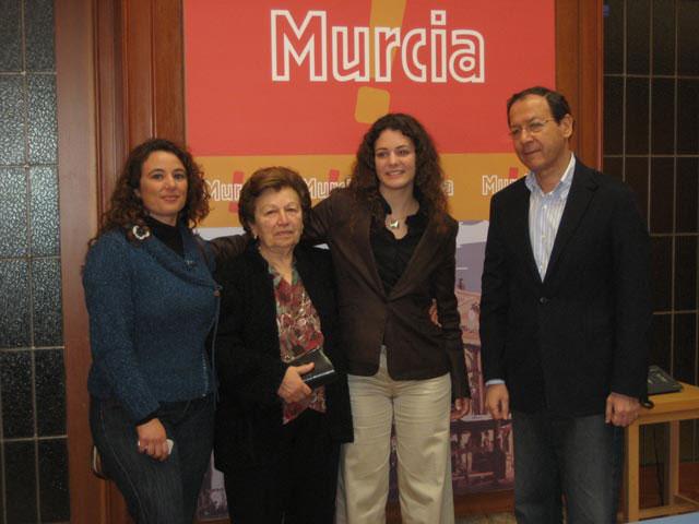 La alpinista Lucía López es recibida por el Alcalde tras su hazaña en el Aconcagua - 1, Foto 1