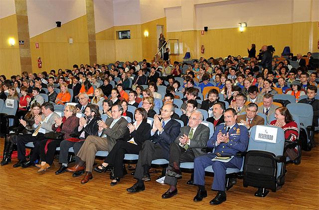 El rector Cobacho y y el consejero Sotoca inauguraron la Olimpiada Científica Europea - 3, Foto 3