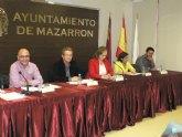 Mazarr�n arropa el 'I Encuentro Intercultural' en la plaza del ayuntamiento