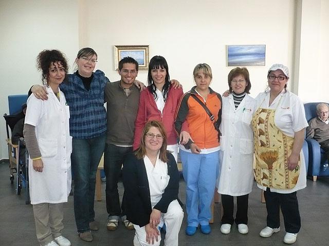 El Centro de Estancias Diurnas realiza un Taller de Musicoterapia con la visita de un popular cantautor, Foto 4