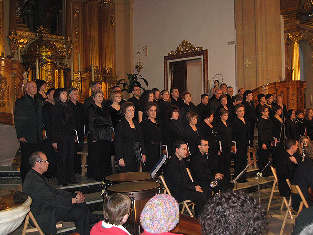 Gran éxito de asistencia en el Réquiem de W.A. Mozart celebrada en la Iglesia de San Lázaro, Foto 1