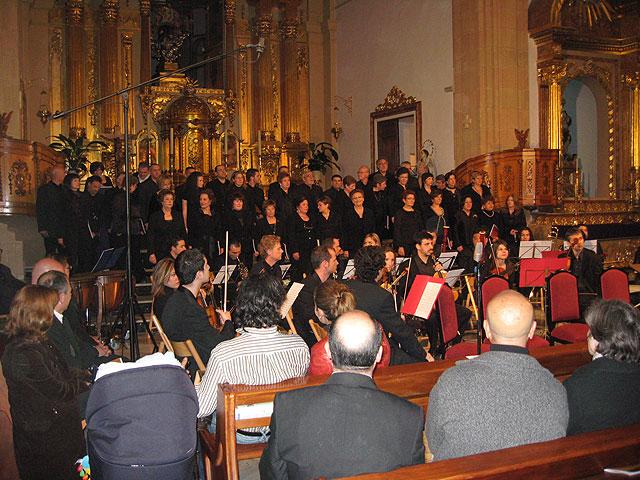 Gran éxito de asistencia en el Réquiem de W.A. Mozart celebrada en la Iglesia de San Lázaro, Foto 2