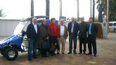 Presentación de un vehículo eléctrico para el servicio de las playas de Santiago de la Ribera