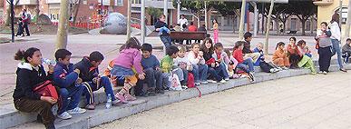 50 niños y niñas de los Espacios Tall�n visitan el Museo de la Ciencia y el Agua en Murcia