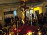 El Cristo de los Mineros recorre La Unión ante la devoción de sus vecinos