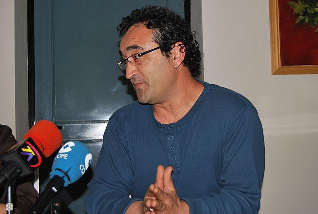 Fernando Torres, ganador del Concurso del Cartel de los Mayos 2009, Foto 2