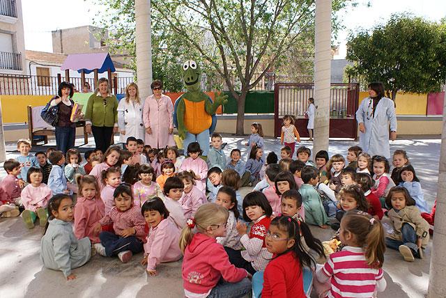 Jarilla visita las bibliotecas de Puerto Lumbreras - 1, Foto 1