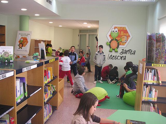 Jarilla visita las bibliotecas de Puerto Lumbreras - 3, Foto 3