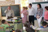 Charla del escritor archenero Campuzano a los escolares del Miguel Medina