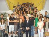 El concejal de Educación recibe a alumnos franceses de intercambio en el municipio
