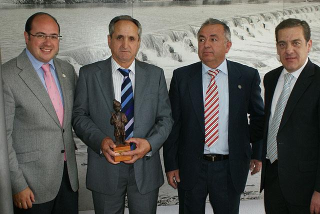 El lumbrerense José Mª Parra es distinguido como Huertano del Año 2009 - 1, Foto 1