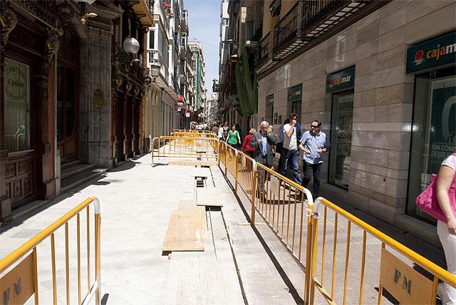 La alcaldesa supervisa las obras de la calle Mayor - 2, Foto 2