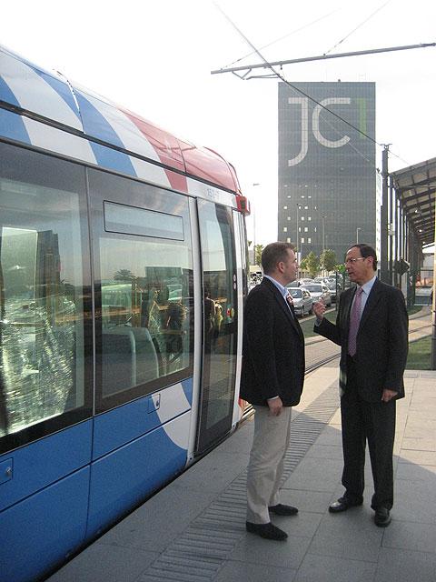 El Alcalde inaugura en Juan Carlos I la nueva ciudad de los negocios y del deporte - 2, Foto 2